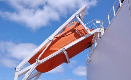 Free Fall Lifeboats: what maintenance is required (and how to do it) ?